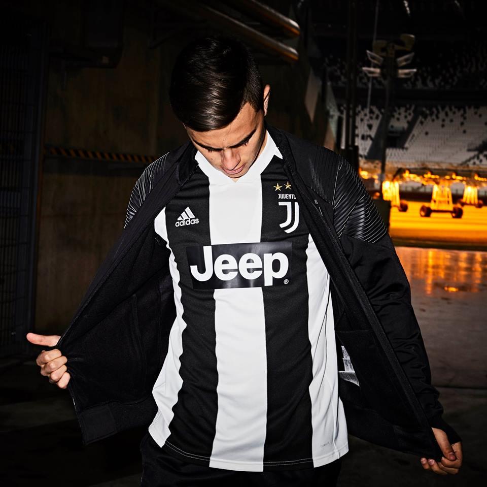 Dybala com a camisa da Juventus 2018-2019