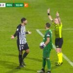 Campeonato italiano Serie B: árbitro chama o VAR, mas segundona não tem